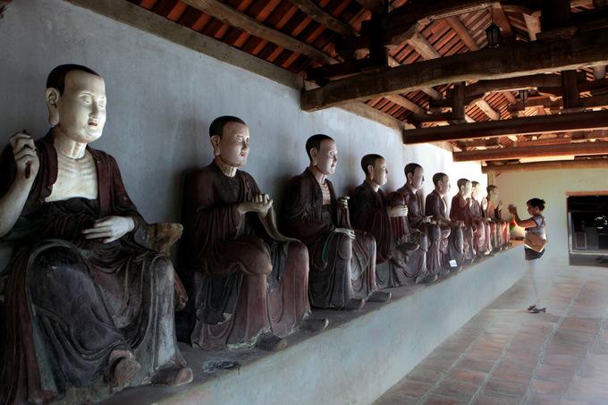 Tượng La Hán tại chùa Mía